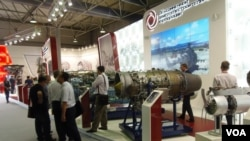 莫斯科國防武器出口展上的戰機引擎。 (美國之音白樺拍攝)