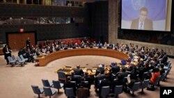 유엔 안전보장이사회가 18일 긴급회의를 열고 리비아 사태를 논의했다.
