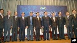 即将前往夏威夷参加APEC峰会的台湾代表团