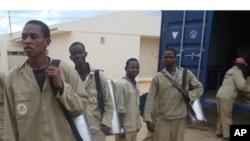 Uma brigada de pulverizadores na cidade de Nampula (Arquivo)
