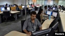 آئی ٹی کے حوالے سے بنگلور کی حیثیت مرکزی ہے، اس شہر میں انفارمیشن ٹیکنالوجی کی سینکڑوں چھوٹی بڑی کمپنیاں ہیں۔