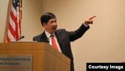 Tiến sĩ Cù Huy Hà Vũ thuyết trình về Nhân quyền Việt Nam tại Viện quốc gia yểm trợ Dân chủ Mỹ (NED).