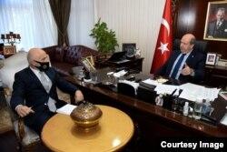 KKTC Cumhurbaşkanı Ersin Tatar ve Türk Ajansı-Kıbrıs (TAK) Müdürü gazeteci Dr. Fehmi Gürdallı