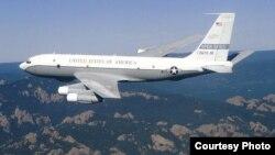 Американский самолет OCи-135Б (англ. OC-135B). Photo by www.af.mil; Wikipedia.org; user leif