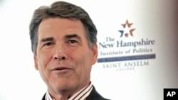 Texas Governor Rick Perry in New Hampshire, Aug 17, 2011