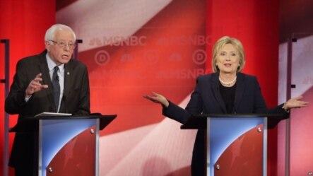 美國總統選舉民主黨參選人希拉里(右)和桑德斯(左)。