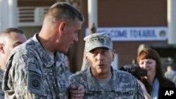 Generali David Patraeus i David Rodriguez