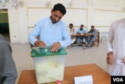 انتخابات میں حصہ لینے والی گیارہ خواتین امیدواروں میں سے صرف ایک کو کامیابی ملی۔