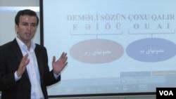 Mehdi Nəimi, güneyli türk dili müəllimi.