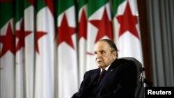 Le président algérien Abdelaziz Bouteflika lors d'une cérémonie à Alger, le 28 avril 2014.