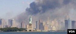 Salah satu yang dibangun kembali oleh Adam Reed Tucker adalah World Trade Center yang runtuh dalam serangan 11 September 2001.
