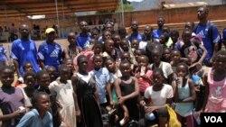 Baadhi ya wasichana waliojitokeza kwenye uwanja wa Zomba nchini Malawi mwishoni mwa wiki.