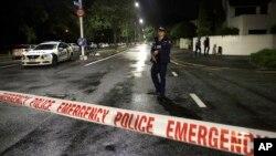 Полицейское оцепление рядом с мечетью в центре Крайстчерча, Новая Зеландия, 15 марта 2019 года
