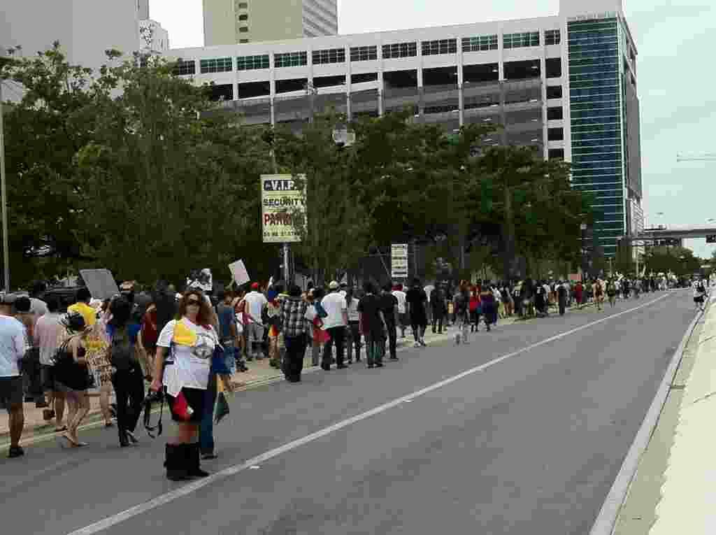La convocatoria de la manifestación tuvo una buena resonancia en la población.