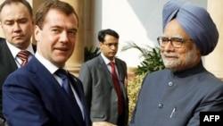 Tổng thống Nga Dmitry Medvedev (trái) gặp Thủ tướng Ấn Ðộ Manmohan Singh tại New Delhi, ngày 21/12/2010