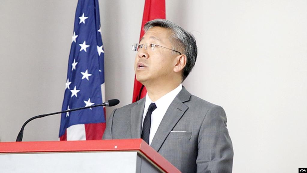 Lu: Në vend që të fajësoni SHBA ose BE, futjuni punës për reformën në drejtësi