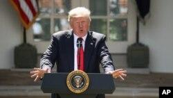 """دونالد ترمپ سال گذشته تغییر اقلیم را """"شوخی و فریب"""" خوانده بود."""