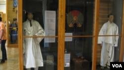 俄罗斯与朝鲜半岛拥有历史联系,沙皇时代就已经开始了对中国、朝鲜民族的研究。圣彼得堡人类和民族博物馆中的展品对朝鲜民族有很多介绍。
