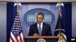奥巴马在白宫就财政悬崖问题向记者发表谈话
