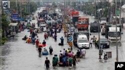 سیلابی پانی تھائی لینڈ کے دارالحکومت میں داخل