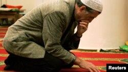 Molitva u jednoj džamiji u Rusiji