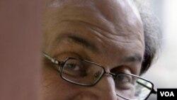 Salman Rushdie batal menghadiri Festival Sastra di Jaipur, yang membacakan karyanya yang kontroversial (foto: dok).