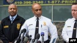 Kepala polisi Baltimore Anthony Batts (tengah) memberikan keterangan pers mengenai kematian Freddie Gray, Kamis (30/4).