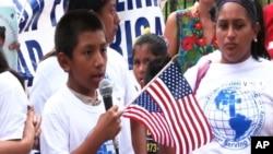 ښاغلي اوباما د دې کال په سر کې ویلي و چې د مهاجرت د اصلاحاتو په اړه به اجرائیوي اقدامات وکړي.