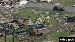 Imagen tomada de un video sobre la destrucción dejada por un tornado en Wisconsin.