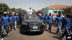 Serifo Nhamadjo, presidente interino da Guiné-Bissau, em campanha em Março passado