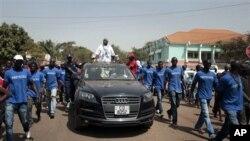 Serifo Nhamadjo, presidente interino da Guiné-Bissau, em campanha em Março de 2012