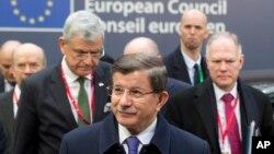 Turski premijer Ahmet Davutoglu na samitu EU u Briselu, 18. mart 2016. (Arhiva)