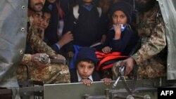 کماندو های پاکستانی برای نجات بازماندگان این رویداد شتافتند
