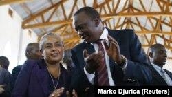 Shugaban Kenya, Uhuru Kenyatta (Dama) a shekarar 2013