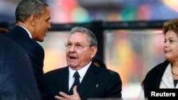 Serok Obama û Raul Castro.