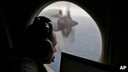 지난 2014년 3월 호주 공군기가 인도양 상공에서 실종된 말레이시아 MH370 여객기 수색 작업을 벌이고 있다.