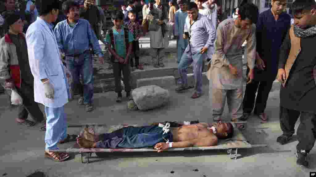 یکی از زخمیان انفجار در دشت برچی در مرکز آموزشی موعود