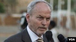 نیکولاس کی، اکنون سفیر بریتانیا در افغانستان است