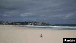 В Австралії відкривають деякі пляжі, що були закриті на карантин (REUTERS/Loren Elliott)