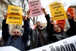 Turkiyada matbuot erkinligi xavf ostida, deydi himoyachilar