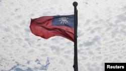 台灣桃園飄揚的台灣旗幟。(2021年6月30日)