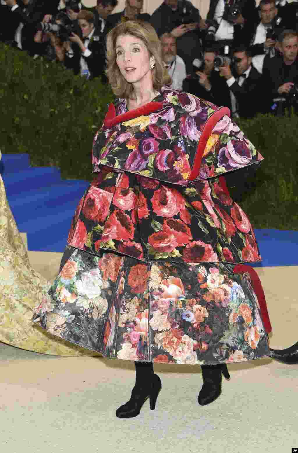 کارلین کندی در مت گالا ۲۰۱۷، مراسم مد و لباس به نفع موزه متروپولیتن در نیویورک