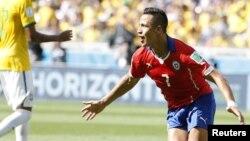 """""""Estoy muy contento de unirme a Arsenal, un club que tiene un gran entrenador"""", dijo Alexis Sánchez."""