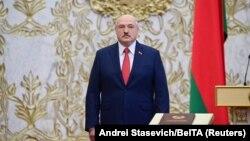 Predsjednik Bjelorusije Aleksandar Lukašenko na ceremoniji polaganja zakletve u Minsku, 23. septembar 2020. (Foto: Andrei Stasevich/BelTA/Handout via Reuters)
