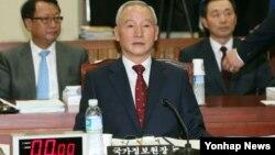 8일 남재준 한국 국가정보원장이 국회에서 열린 정보위원회 전체회의에 출석했다.