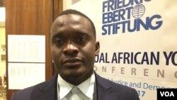 Osakhulayo oweZimbabwe uTerrence Malunga emhlanganweni owe Annual African Youth Conference on Social Justice and Democracy