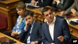 Arhova - Premijer Grčke, Aleksis Cipras, govori tokom sjednice parlamenta u Atini, 14. juna 2018.