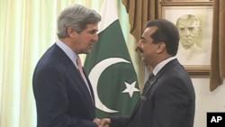 سفر سناتور جان کری به پاکستان