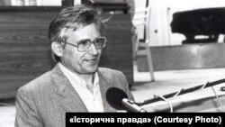 Олесь Сергієнко у 1990-му році