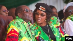 VaRobert Mugabe naAmai Grace Mugabe.